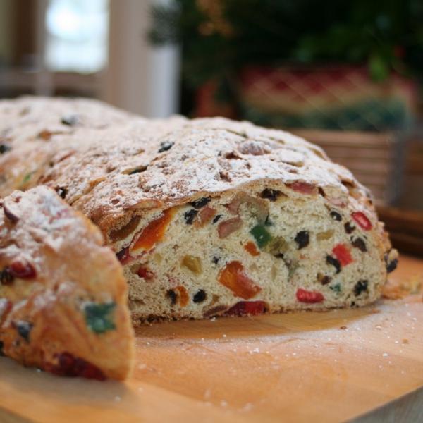 Stollen backen zu Weihnachtsstollen mit kandierten Früchten backen Rezept