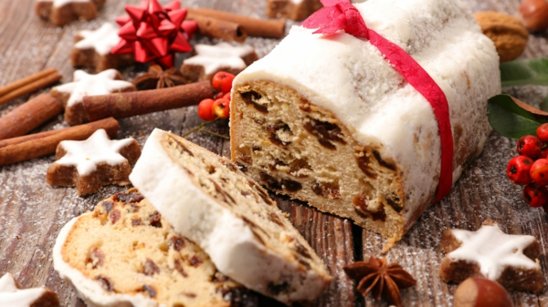 Stollen backen zu traditioneller Dresdener Christstollen backen Rezept