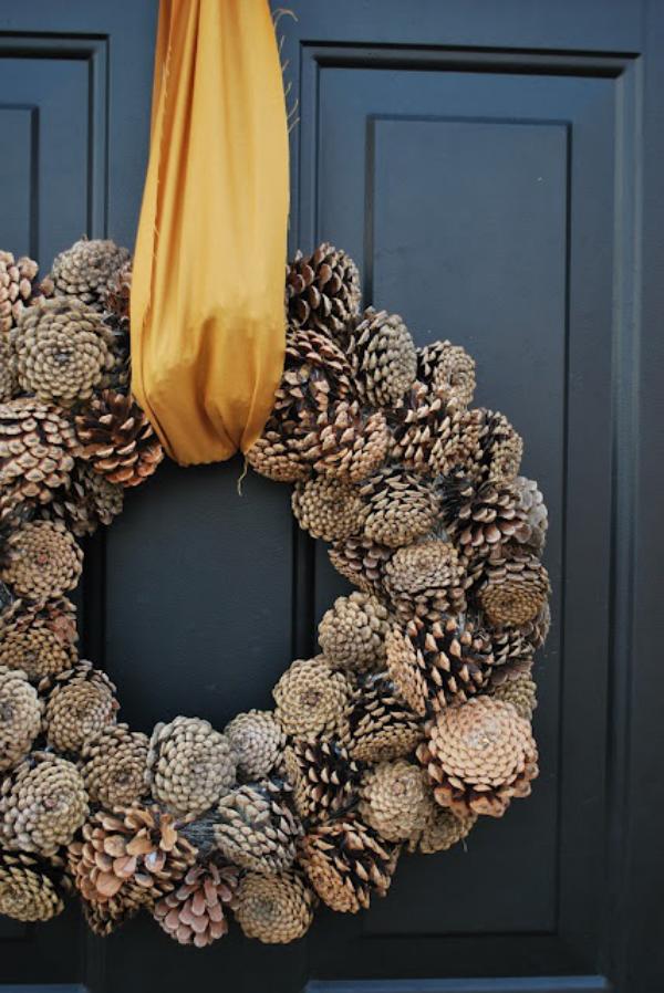 Tannenzapfen Winterdeko Kranz basteln Zapfen naturbelassen perfekt aussehen