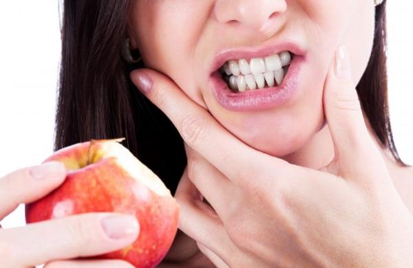 Συμβουλές για υγιή ούλα και ένα όμορφο χαμόγελο που πονάει τα ούλα</pre> <p><br /> <br /><a href=