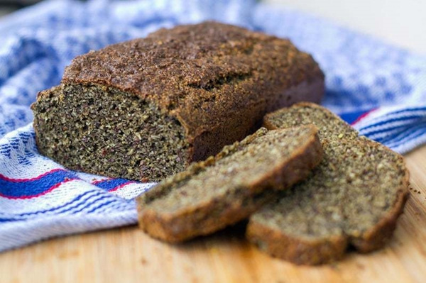 Was ist Hanfmehl Hanfsamenmehl Vorteile Brot selber backen
