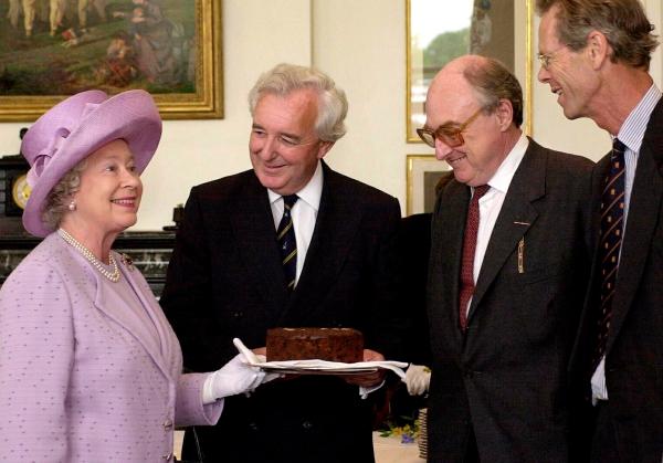Weihnachtlicher Kuchen aus Schottland – Dundee Kuchen traditionell zubereiten königin elizabeth ii kuchen tee
