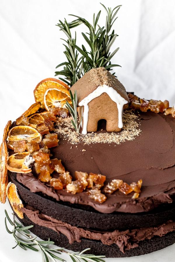 Weihnachtliches Dessert – Weihnachtsbaumstamm und andere köstliche Rezeptideen zum Genießen karamellkuchen mit schoko sahne rosmarin