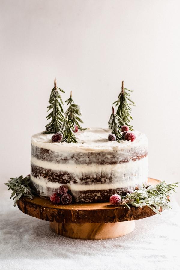 Weihnachtliches Dessert – Weihnachtsbaumstamm und andere köstliche Rezeptideen zum Genießen kuchen nackt tannenbäumchen rosmarin deko