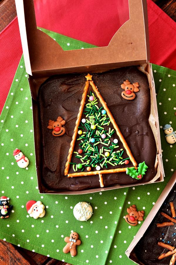 Weihnachtliches Dessert – Weihnachtsbaumstamm und andere köstliche Rezeptideen zum Genießen schokorinde geschenke deko tannenbaum
