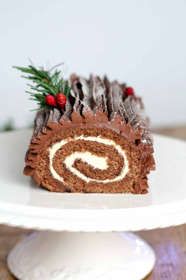 Weihnachtliches Dessert – Weihnachtsbaumstamm und andere köstliche Rezeptideen zum Genießen yule log baumstämmchen rezept