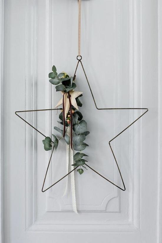 puristische weihnachtsdeko weihnachtsstern aus draht mit eukalyptusblättern