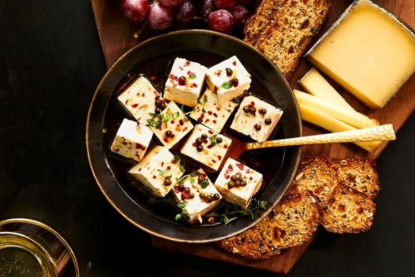 sillvestermenü feta käse mit gewürzen