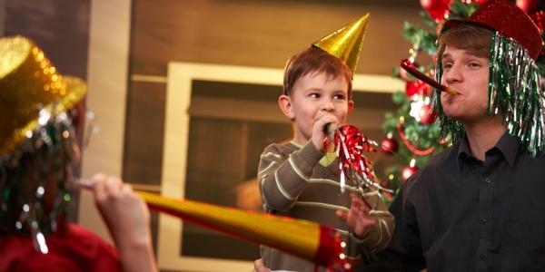 silvester zu hause feiern mit familie und kindern