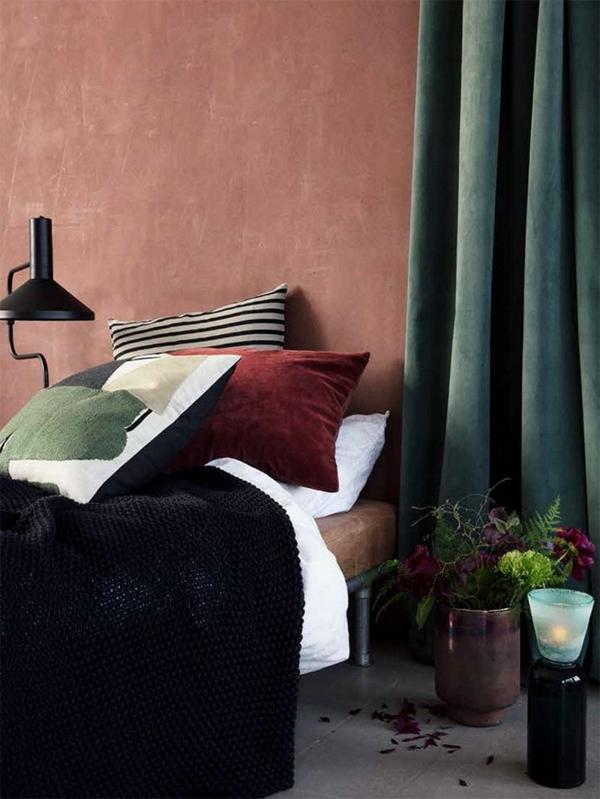terrakotta wandfarbe schlafzimmer olivengrüne vorhänge