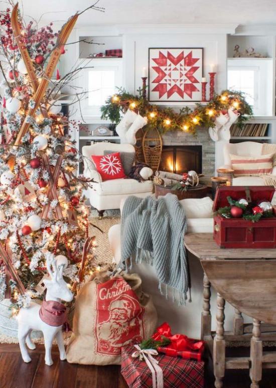 traumhafte Weihnachtsdeko im Wohnzimmer im Landhausstil warme gemütliche Atmosphäre