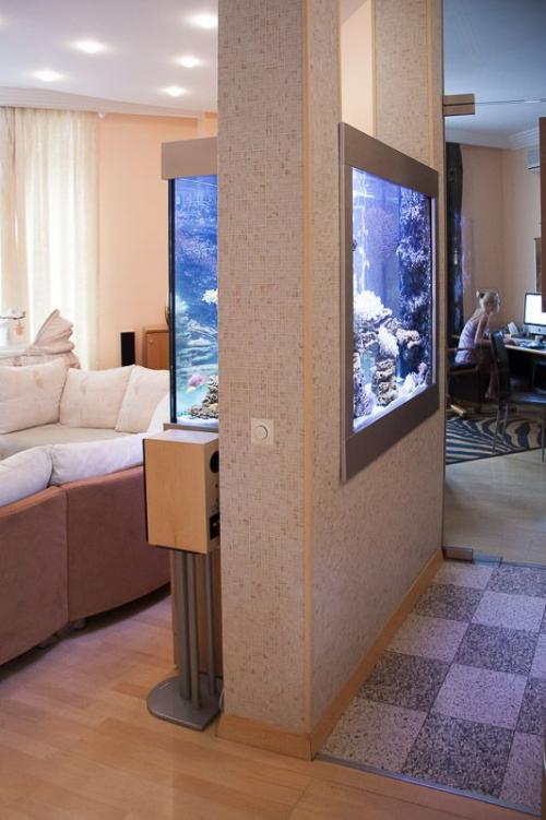 Ενυδρείο στο σπίτι το πιο όμορφο διαχωριστικό δωματίων σε μοντέρνα διαμερίσματα και σπίτια