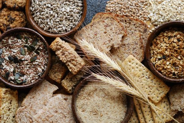 Ballaststoffreiche Ernährung – Alles, was Sie über Ballaststoffe wissen sollten vollkorn produkte statt weißmehl und brot