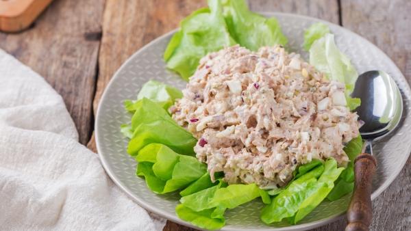 Crash Diät – Hier ist alles, was Sie darüber wissen sollten thunfisch salat mit gemüse protein
