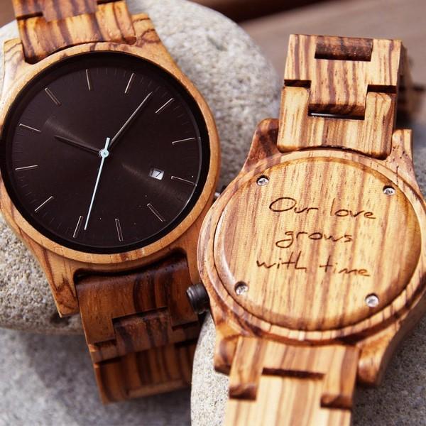 Das perfekte Valentinsgeschenk für ihn wählen oder basteln – Tipps und Ideen armbanduhr holz graviert (Custom)