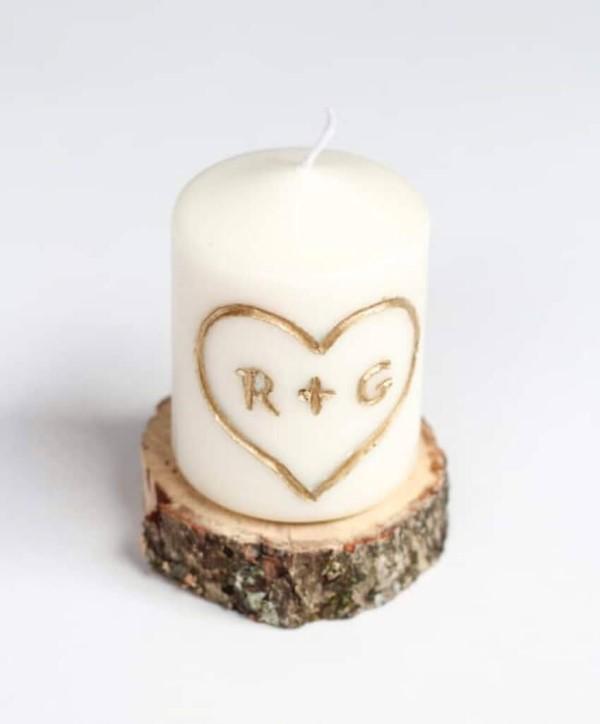 Das perfekte Valentinsgeschenk für ihn wählen oder basteln – Tipps und Ideen diy kerze mit herz initialen (Custom)
