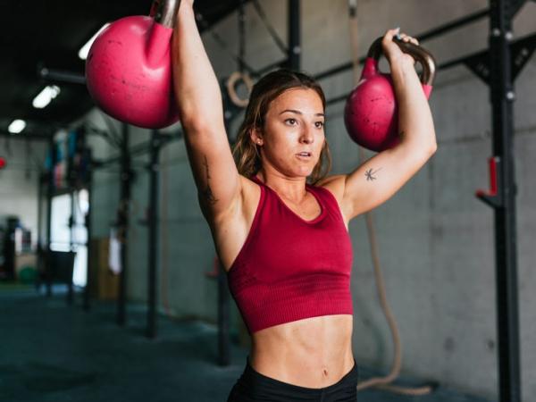 Einfache Trizeps Übungen, die Sie auch zu Hause machen können trainings einheiten kurz aber mehrmals