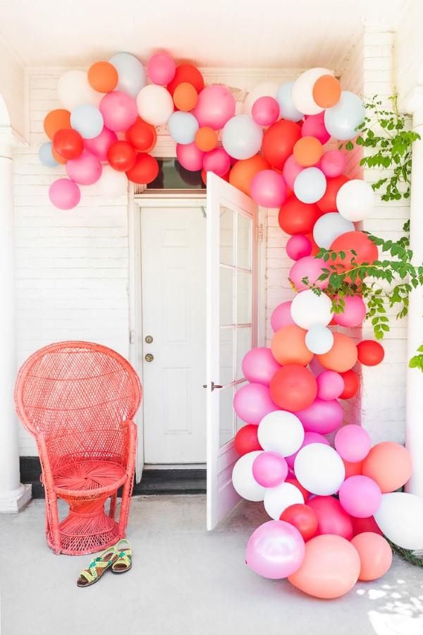 Faschingsdeko basteln – Anleitungen und Spielideen für Groß und Klein ballons hintergrund für fotos diy
