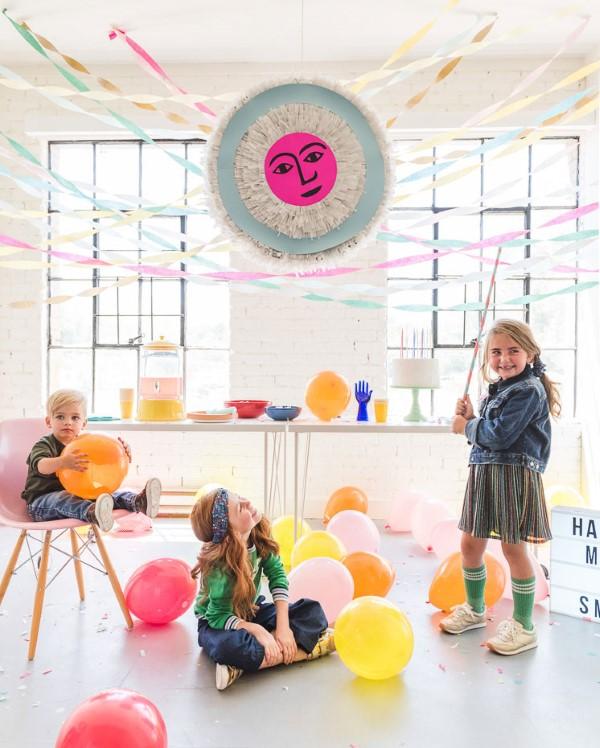 Faschingsdeko basteln – Anleitungen und Spielideen für Groß und Klein kinder party zu hause deko