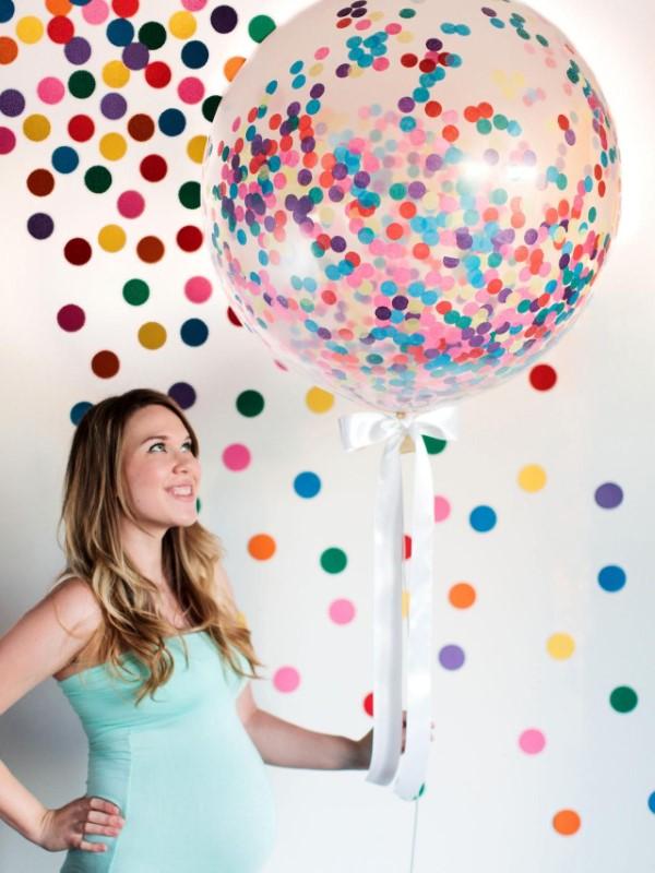 Faschingsdeko basteln – Anleitungen und Spielideen für Groß und Klein riesen konfetti ballon