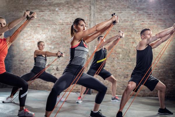 Ganzkörper Theraband Übungen für Zuhause – Vorteile und Auswahlhilfe übungen trainingsband gruppe