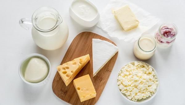 Getränke gegen Corona Milch Joghurt verschiedene Milchprodukte Wundermittel in Corona Zeiten