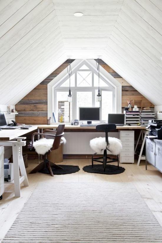 Home Office im Landhausstil keine grellen farben helles Ambiente weiß grau High Tech