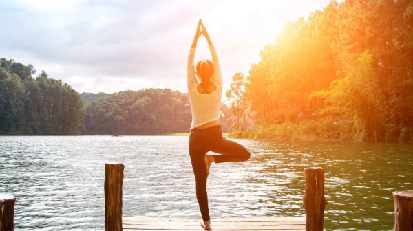 Kardamom Tee – Wie gesund ist das exotische Gewürz aus Indien yoga ergänzung indische tradition