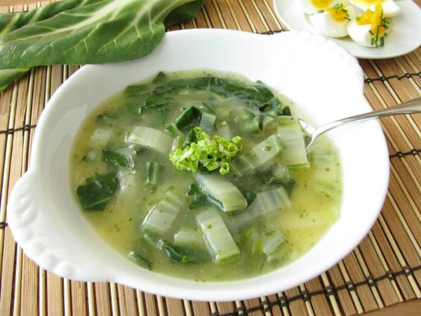 Mangoldsuppe Rezept Suppe mit Kartoffeln zubereiten Mangoldsorten