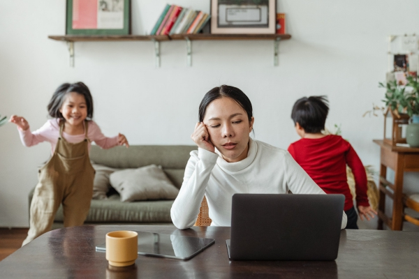 Natürliche Beruhigungsmittel aus der Naturapotheke und weitere Anti-Stress Tipps home office arbeit kann stressig sein