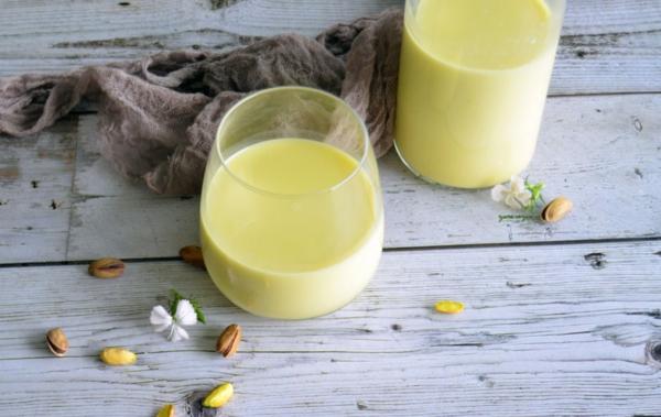 Pistazienmilch Rezept vegane Milchgetränke selber machen
