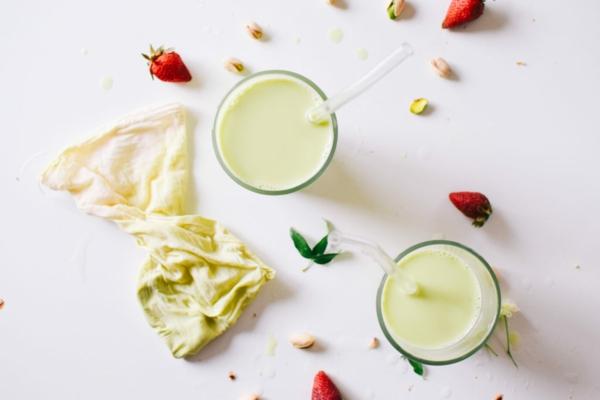 Pistazienmilch selber machen vegane Milchgetränke