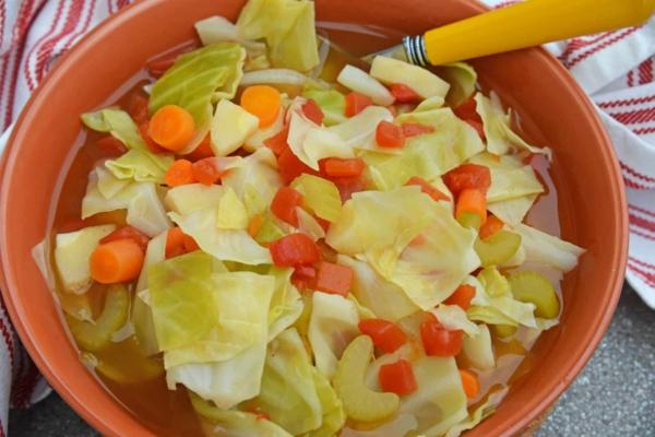 Suppendiät Vorteile Nachteile Diätsuppen Kohlsuppe