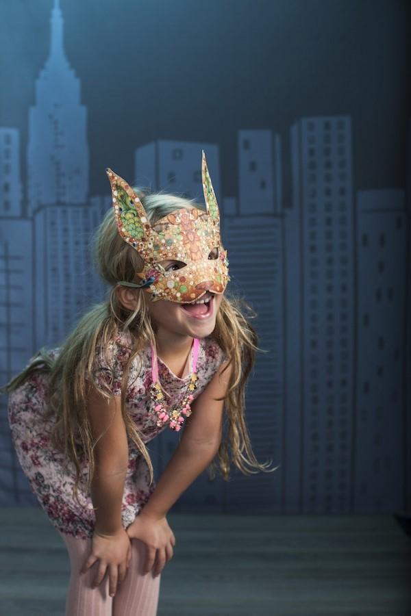 Tiermasken basteln mit Kindern zum Fasching – kreative Ideen und einfache Anleitung hase mädchen bunt
