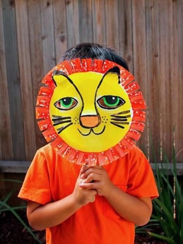 Tiermasken basteln mit Kindern zum Fasching – kreative Ideen und einfache Anleitung löwe maske pappteller