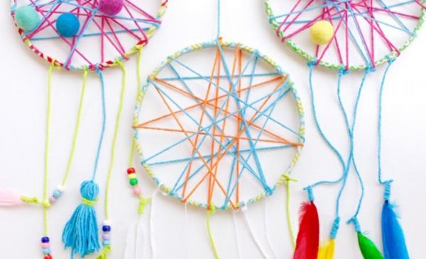 Traumfänger für Kinder aus Pappteller basteln Bastelideen