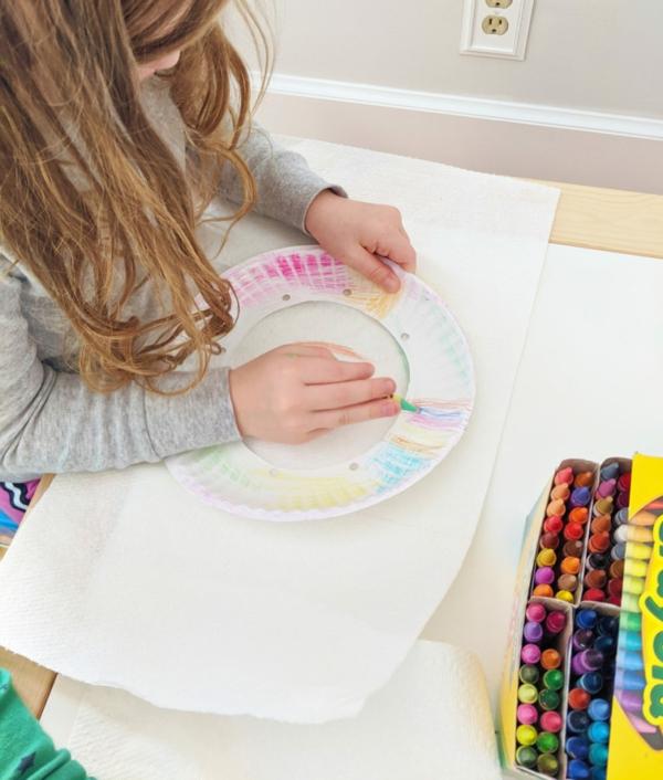 Traumfänger für Kinder aus Pappteller basteln mit Kindern