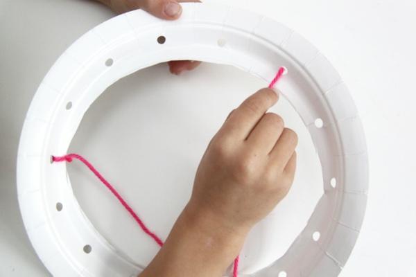 Traumfänger für Kinder basteln Pappteller