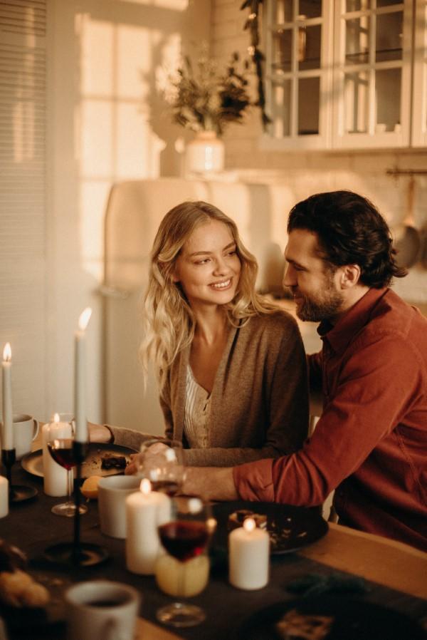 Valentinstag Unternehmungen für Zuhause – Ideen für Liebespaare trotz Corona zusammen kochen