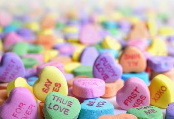 Valentinstag Ursprung und Bräuche - das Fest der Liebenden traditionell feiern liebe herzen süß