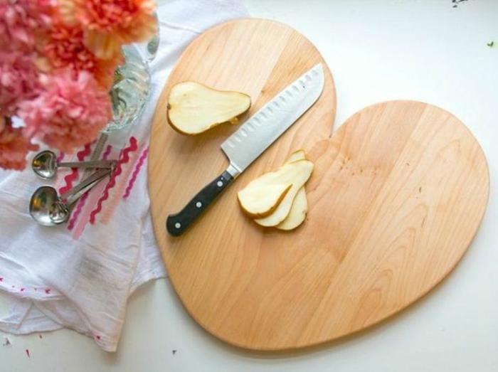 Valentinstag basteln diy ideen deko karte selber machen schneidebrett