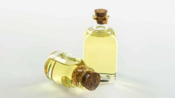 Vorteile von Rizinusöl für schöne Haut und Haare