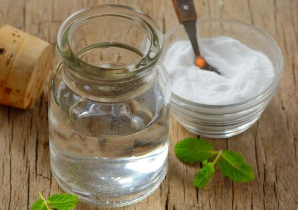 Welche Hausmittel gegen Halsschmerzen kennen Sie Hier sind 9 davon Salzwasser