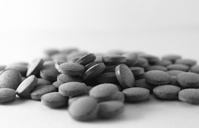 black latte selber machen aktivekohle tabletten