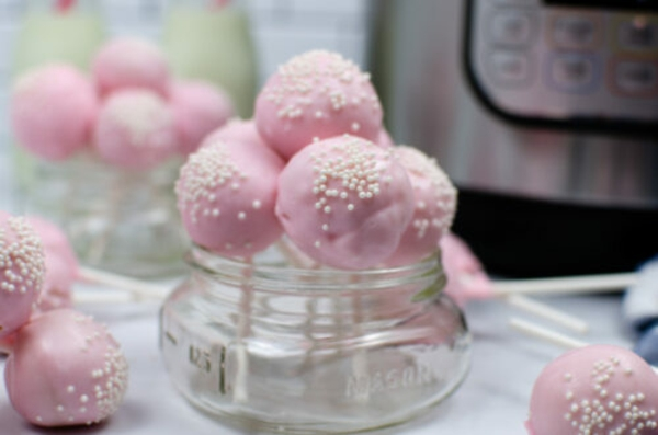 cake pops teig rosa fondant mit perlen