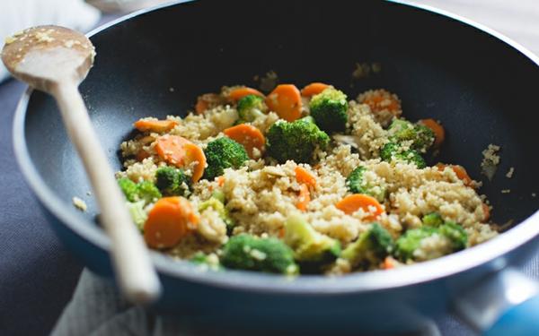 couscous zubereiten vegan brokkoli karotten sesam