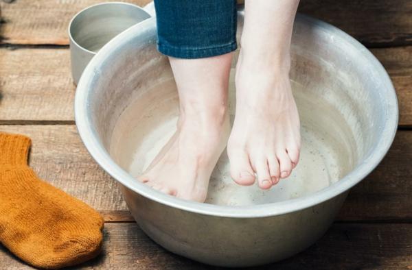 fußbad selber machen gegen rissige füße