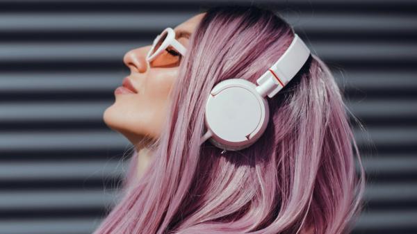 haarfarben trends 2021 pastell pink