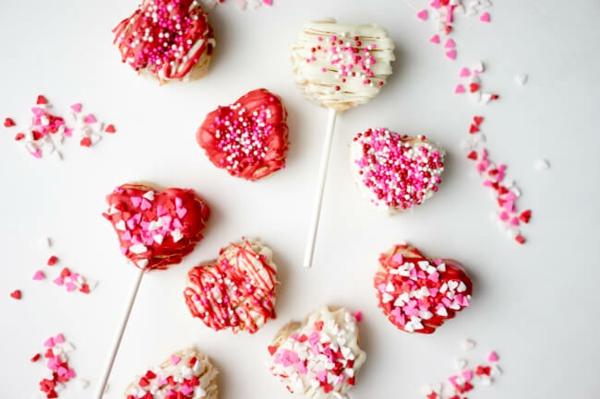 cake pops teig zubereiten zum valentinstag herzform