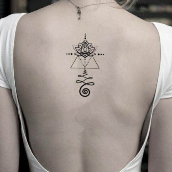 rücken unalome tattoo lotus geometrisch